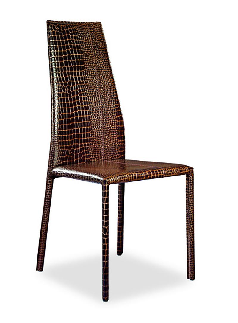 chaise en cuir. Black Bedroom Furniture Sets. Home Design Ideas