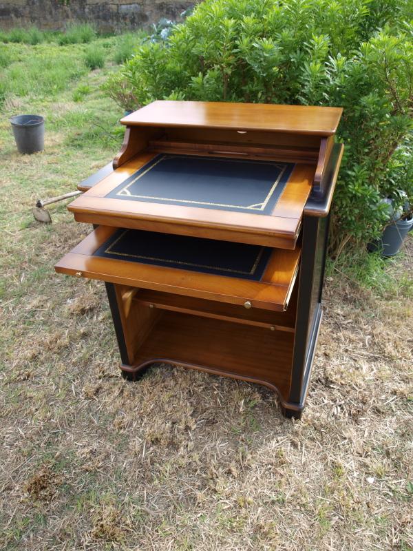 Bureau d 39 ordinateur pm for Meubles eustache
